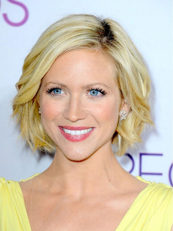 Women Hairstyles For Short Hair In Summer 006