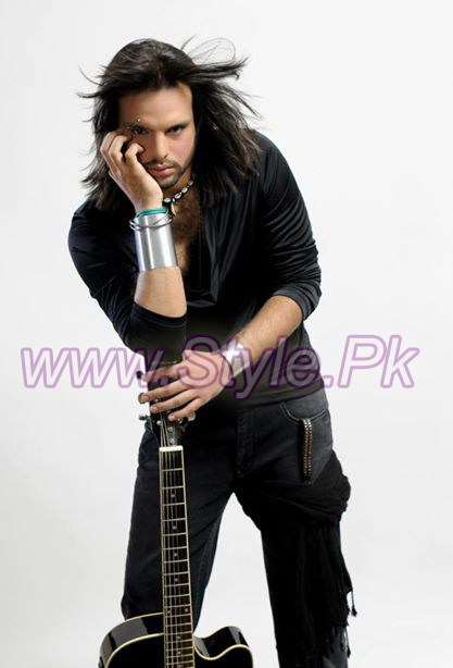 Famous Singer Nouman Javaid Profile And Pictures 02 copy