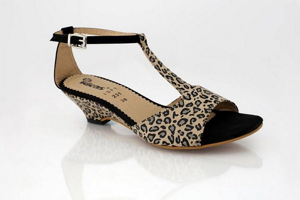 Gul Ahmed Summer Shoes 2014 For Women 008
