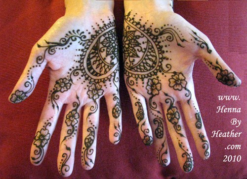 Mehndi Patterns We Heart It : Loved heart mehndi designs for women