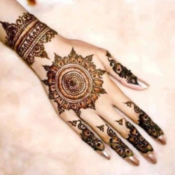 Henna Designs For Women: Round Mehndi Designs 2014 For Women 0013