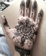 Round Mehndi Designs 2014 For Women 002