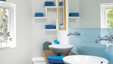 How To Use Blue And White Colors For Bathroom Decoration 006