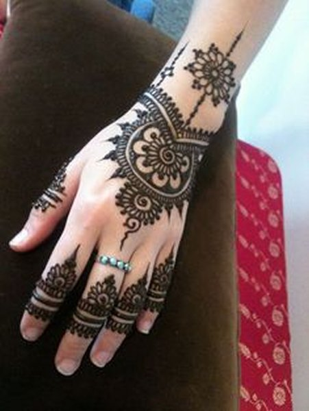 New Eid Mehndi Designs 2014 For Hands 0019