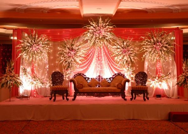 Mehndi Flower Arrangements : Mehndi and barat stage decoration ideas