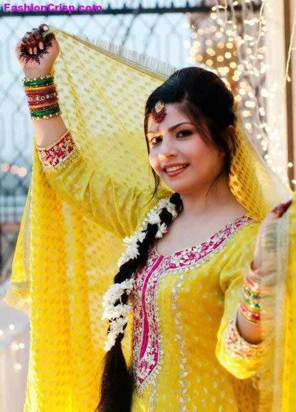 Mehndi Hairstyles Images : New bridal hairstyles for mehndi function