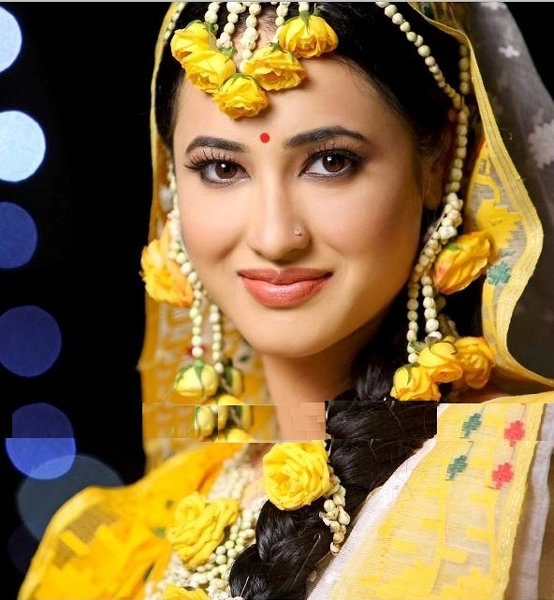 New Bridal Hairstyles 2014 For Mehndi Function 004