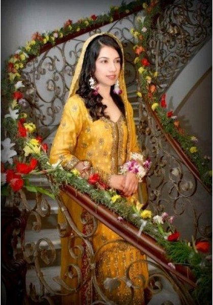 New Bridal Hairstyles 2014 For Mehndi Function 006