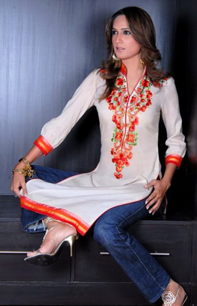 Trend Of Women Kurtas 2014 With Jeans 001