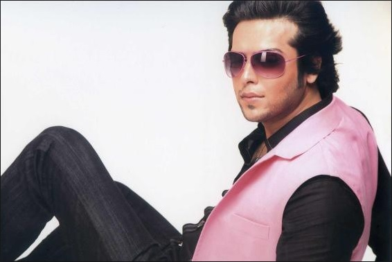 Fahad mustafa Pakistani Actors Who Wear Makeup