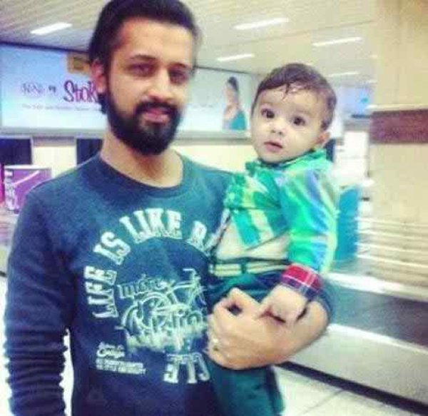 Top 5 Handsome Fathers in Pakistani Showbiz003