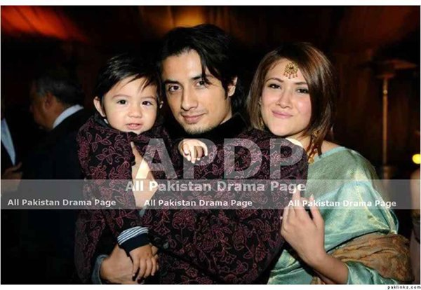 Top 5 Handsome Fathers in Pakistani Showbiz005