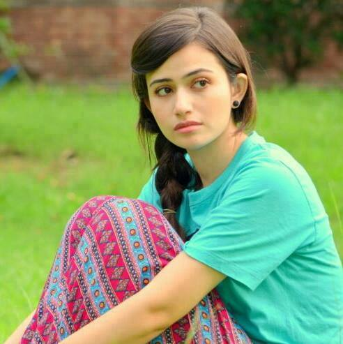 sana javed hot