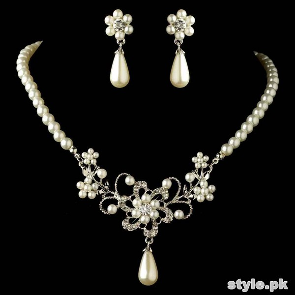 Beautiful Pearl Necklace Sets 2015 For Brides 4