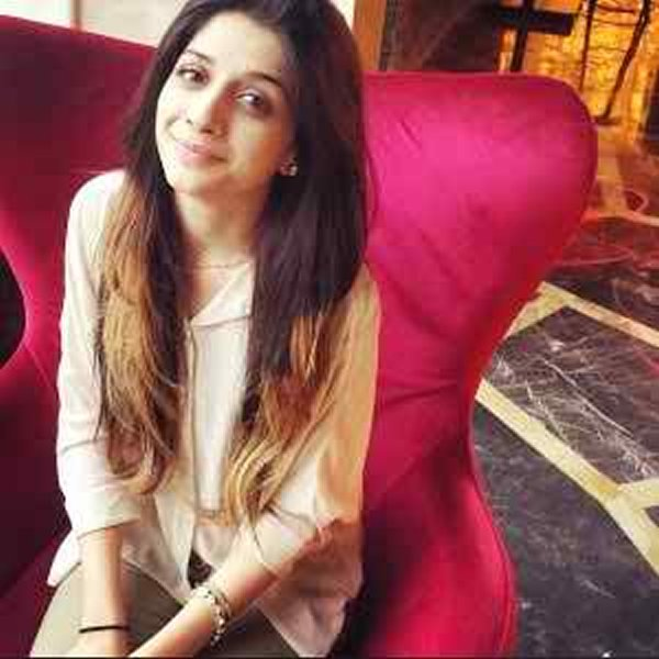 Which Pakistani Actress Looks Beautiful Without Makeup008