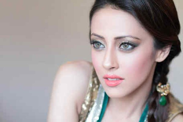 Which Pakistani Actresses Can Conquer Bollywood Industry 001