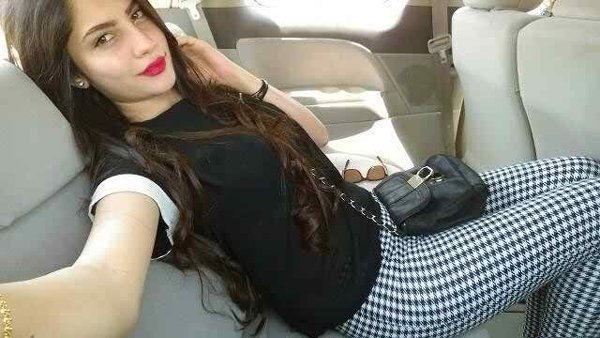 Which Pakistani Actresses Have Long Hairs 006