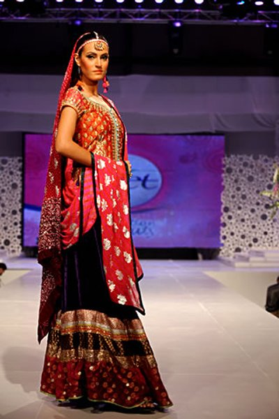 Pakistani Female Models And Their Heights 002