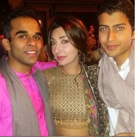 Pakistani Actress Ayesha Khan Having Fun At A Friend's Party