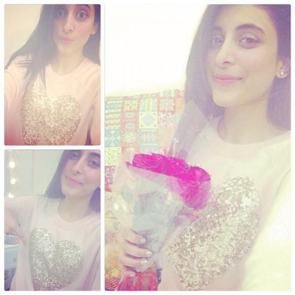 Pakistani Actresses Who Love To Take Selfies