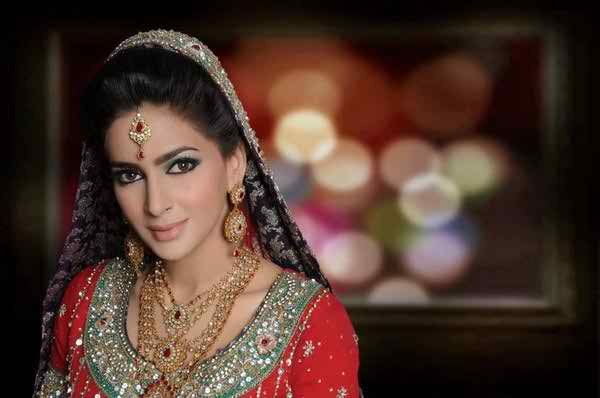 Insteresting And Unknown Facts About Saba Qamar