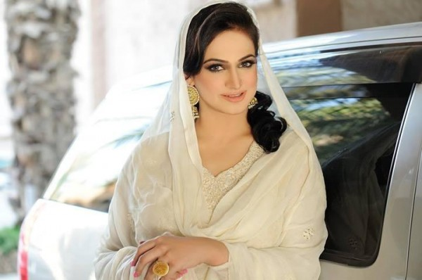 Pakistani Actress Noor