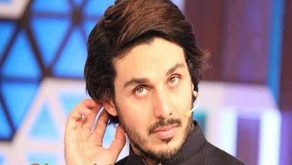 Pakistani Celebrities And Their Favorite Foods001