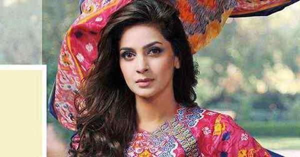 Top 5 Highest Paid Pakistani Actresses In 2015 002