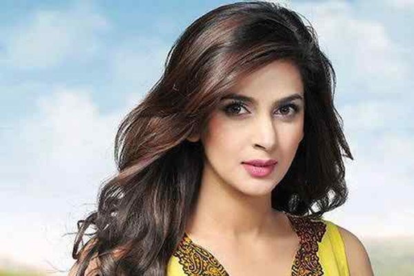 Top 5 Successful Pakistani Actresses In 2015003
