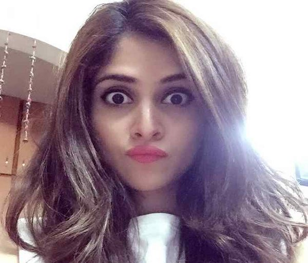 Which Pakistani Actresses Facebook Accounts Would Love To Access 005