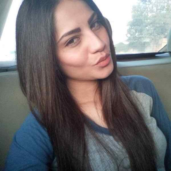 Which Pakistani Actresses Have Best Pout For Camera004
