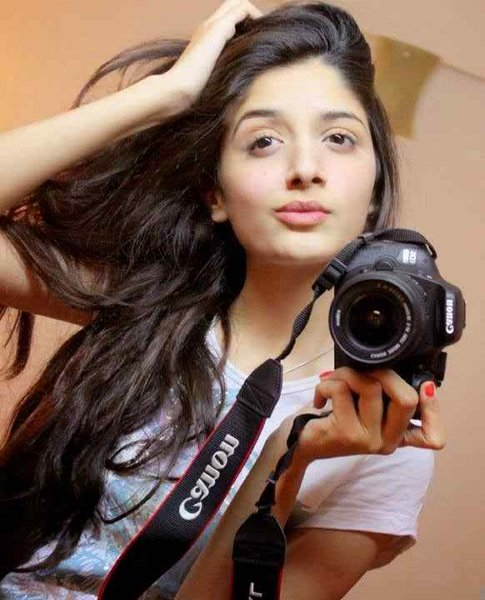 Which Pakistani Actresses Have Best Pout For Camera006