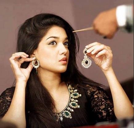 Sanam Jung Pakistani Actress