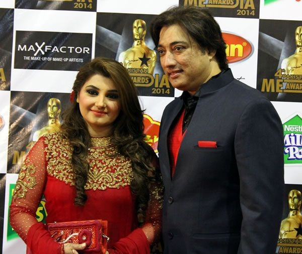 saud and javeria Pakistani Celebrity Couples Who Transformed Their On Screen Romance To Real Life Romance