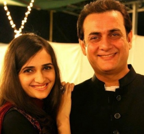 shahood alvi with daughter areeb shahood