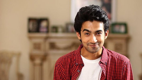 Pakistani Actor And VJ Ali Safina Profile002