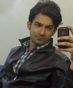 Pakistani Actor And VJ Ali Safina Profile010