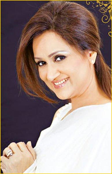 Top 5 Popular Comic Female Actresses In Pakistan TV Industry001