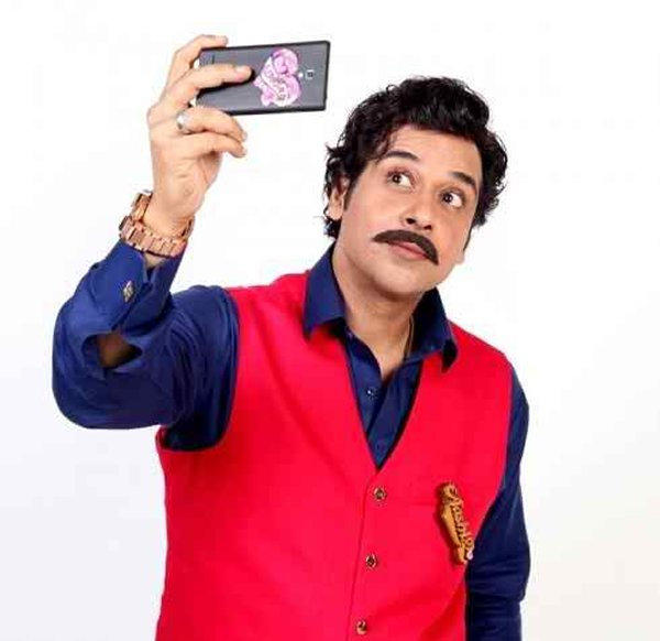 Which Pakistani Actors Rock On TV Screens With Moustaches003