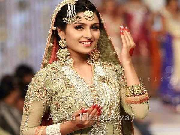 Which Pakistani Actresses Have Beautiful Hands006