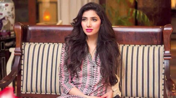 Which Pakistani Female Celebrities Don't Need Hair Extensions002