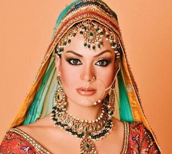 Which Pakistani Female Celebrities Left Showbiz After Getting Married005