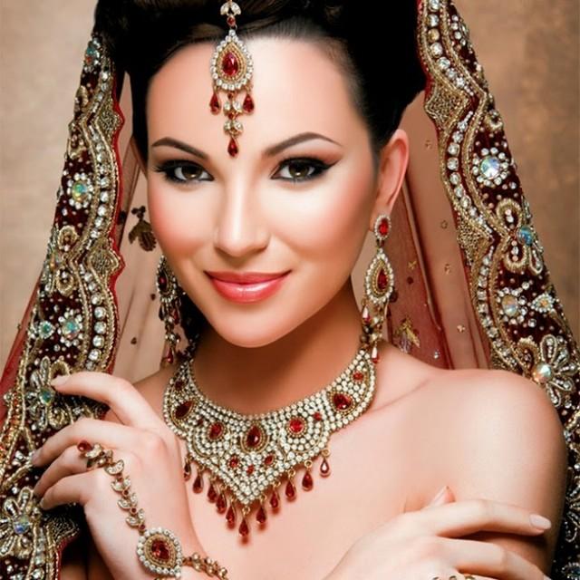 wearing jewelry in summers