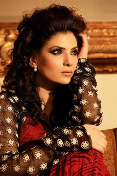 Pakistani Film Heroines And Their Fashion Statement Past And Present006
