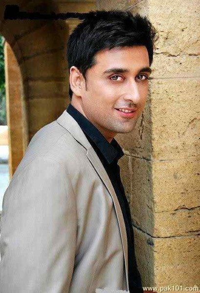 Top 5 Highly Educated Pakistani Actors Who Are Popular For Their Acting005