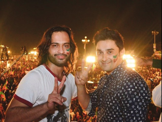 Waqar Zaka and Mani at the dharna