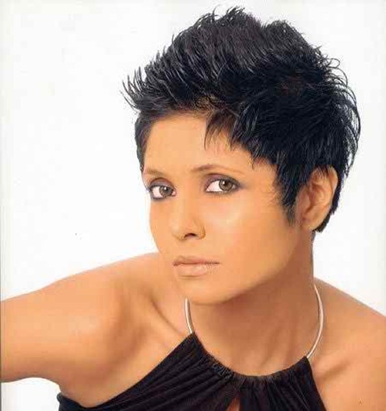 Which Pakistani Female Celebrities Rock With Boy Haircut005