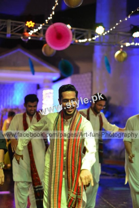 Complete Wedding pictures of Ali Gul Pir and his bride (8)