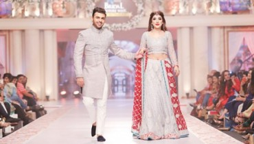 See Elegant Pakistani Celebrities of 2015 wearing bridal dress