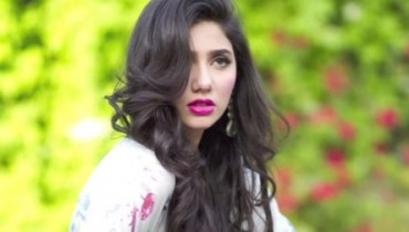 See Pakistani Celebrities who left studies incomplete